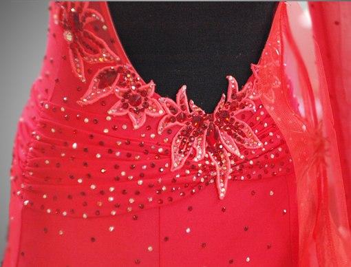 На ателье по пошиву танц платьев