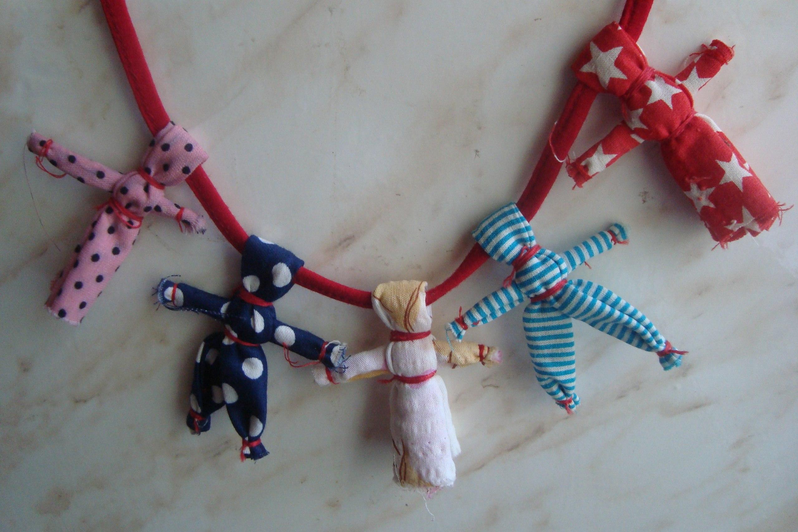Как сделать куклу оберег своими руками из ткани для детей