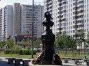 5 июля 2006 года.  Москва, Южное Бутово.  Адмирала Ушакова бульвар.  Станция метро 'Скобелевская' .