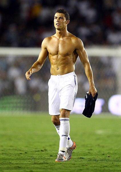 Криштиану Роналду признан самым сексуальным спортсменом.