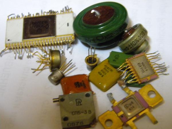 конденсаторы, микросхемы,