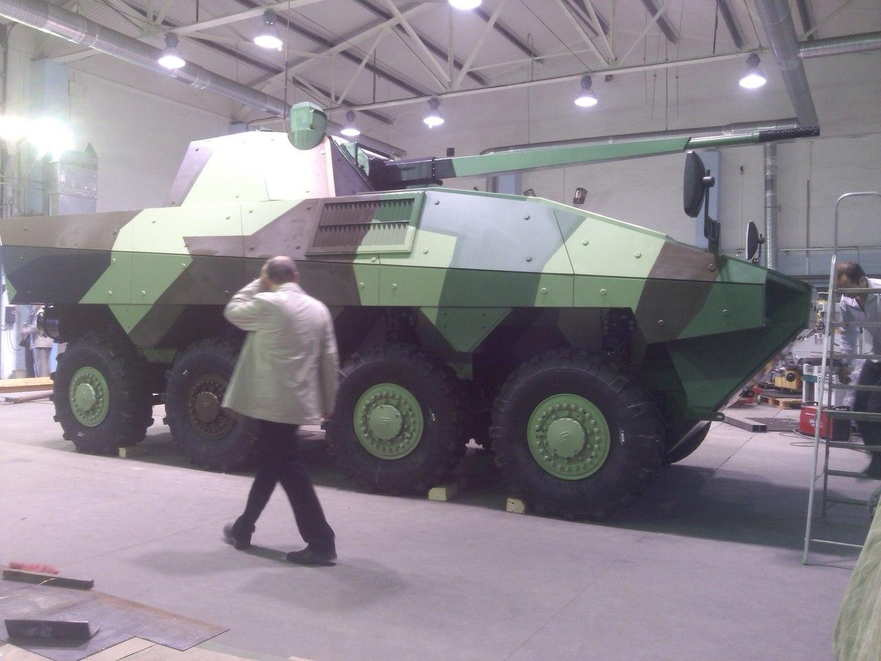 Russia Arms Expo 2013 W-ZcnUB_U1c