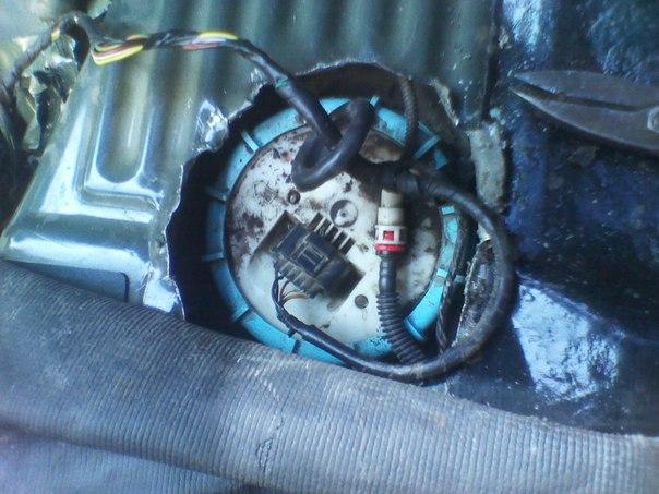 Не показывает датчик бака форд фокус первый фото 212-772