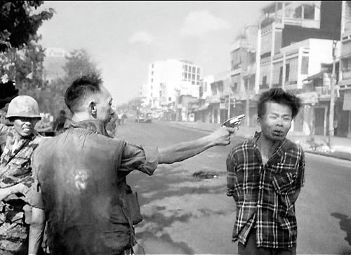 *...«Фотография - это самое мощное оружие на свете»...*