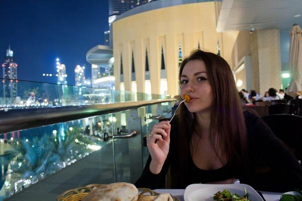 2-ой этаж Dubai Mall.