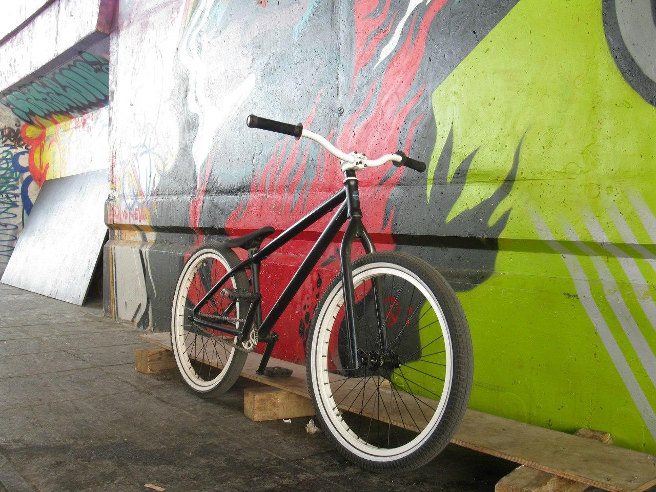 Как сделать вайтволлы на велосипеде