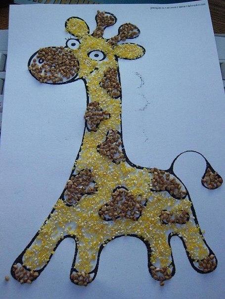 15.07.2010. Жираф из круп.  Берем две разновидности круп, например...