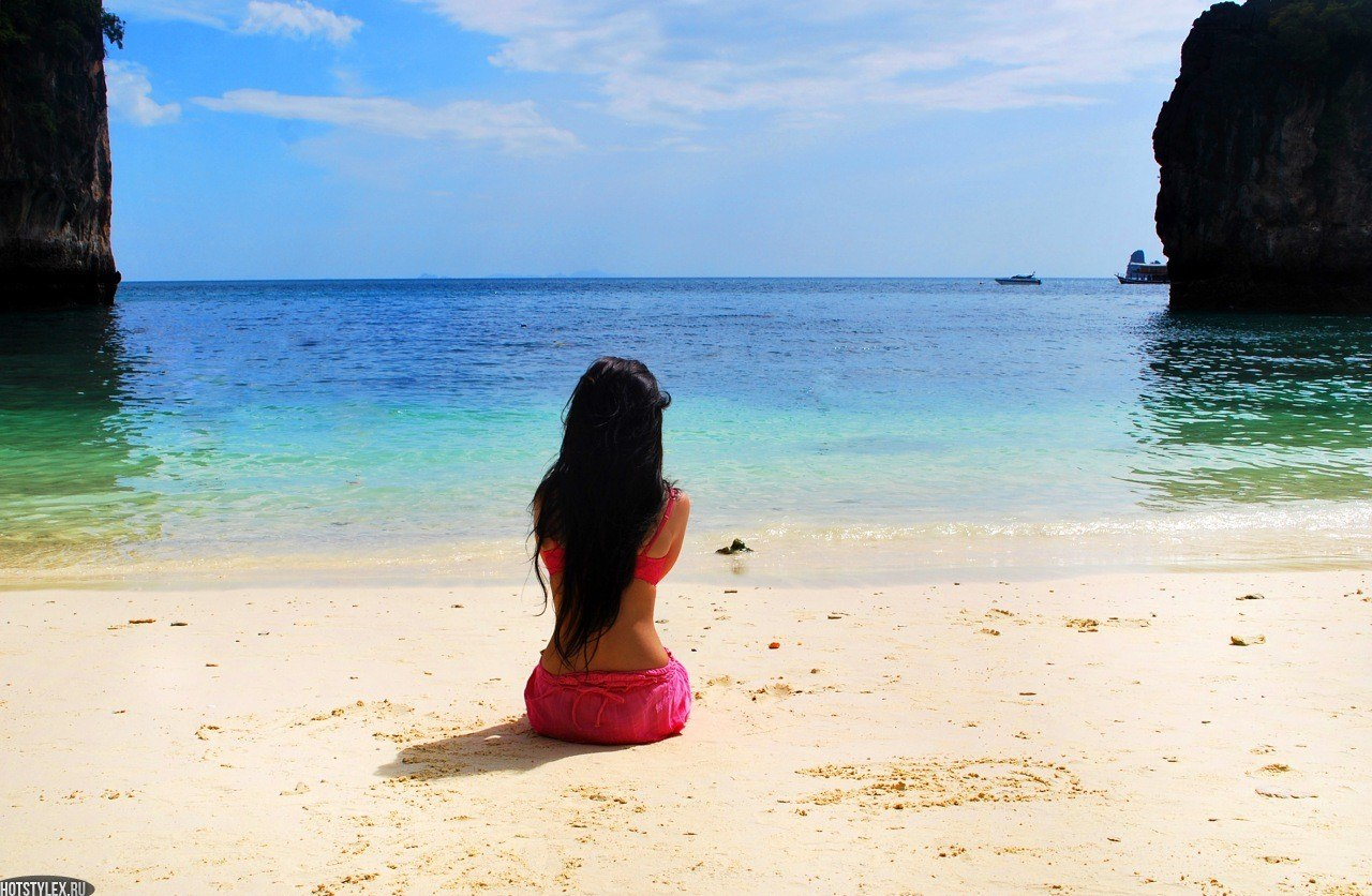 Фото девушек на аву на море
