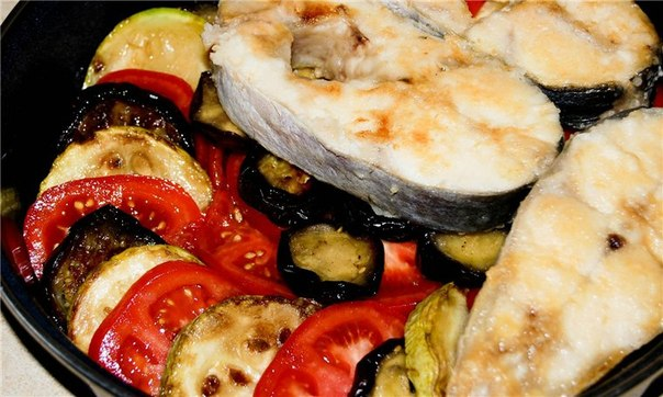 Красная рыба с кабачками в духовке рецепт