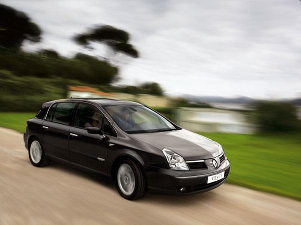 Компания Renault потеряла 3.3 МЛРД евро на производстве Рено Лагуны и