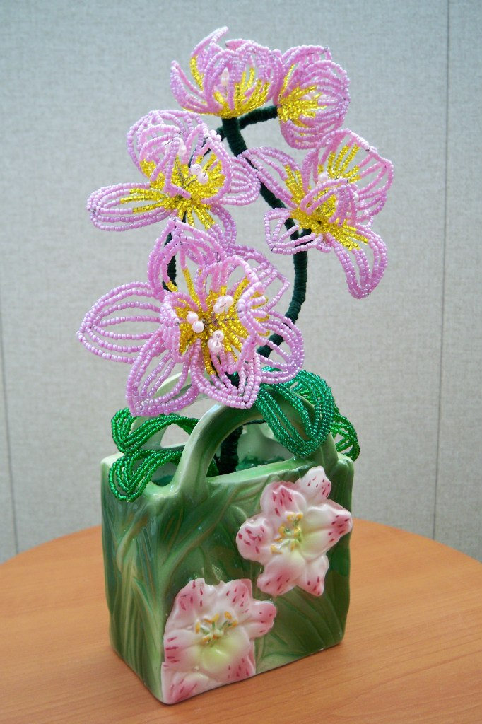 Орхидея из бисера.-1.