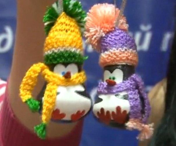 Новогодняя игрушки из лампочки своими руками