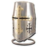 2. рыцарский шлем.