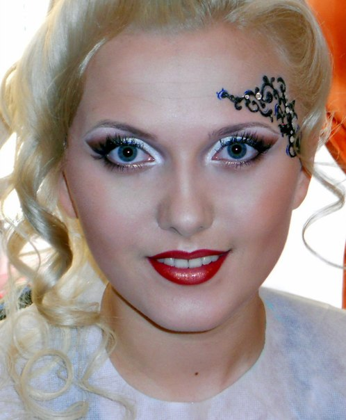 Как подобрать макияж карим глазам