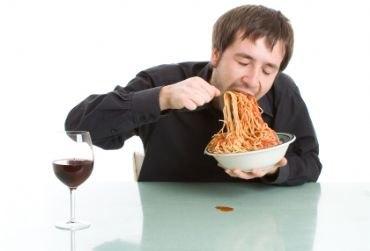 В обед нужно кушать медленно