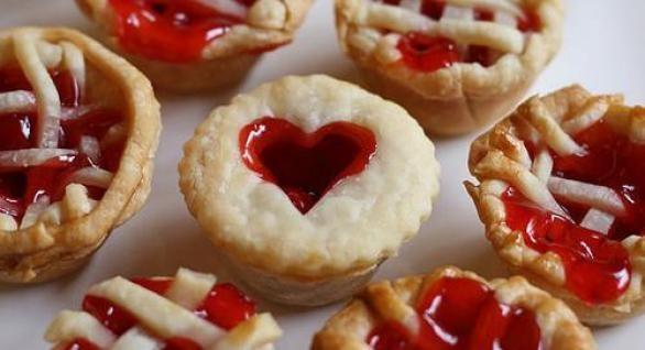 Если я ем много сладкого, это не значит, что я буду толстенькая, это значит я буду сладенькая.
