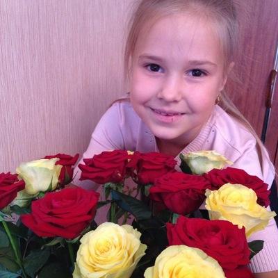 Анюта Ильинова, 31 октября 1988, Белгород, id208089641