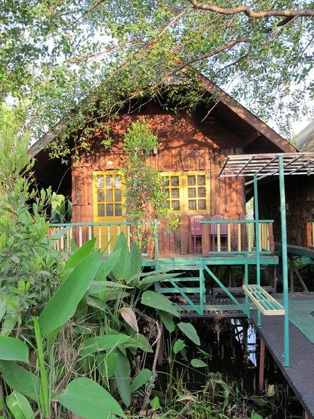 домики на воде Канчанабури