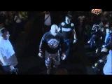 Джефф Монсон выходит на ринг под песню «Группа крови»