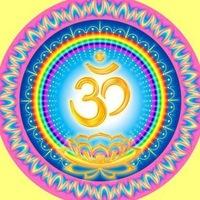 31. Поместите перед собой изображение символа ОМ.  Сидя с открытыми глазами, спокойно сконцентрируйтесь на этом...