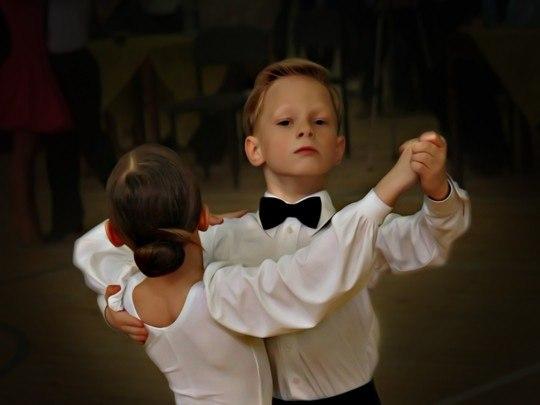 Как научится танцевать уличные танцы для девушек