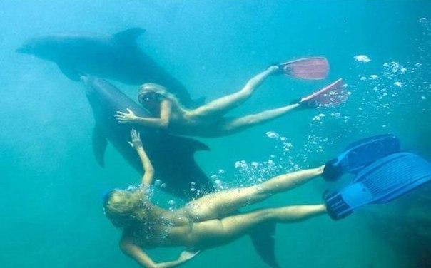 голые под водой фото