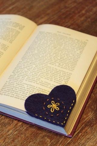 Идеи для творчества.  Оригинальная закладка для книги в виде сердечка.  Подарки и сувениры.  Опубликовано в. Шитье.