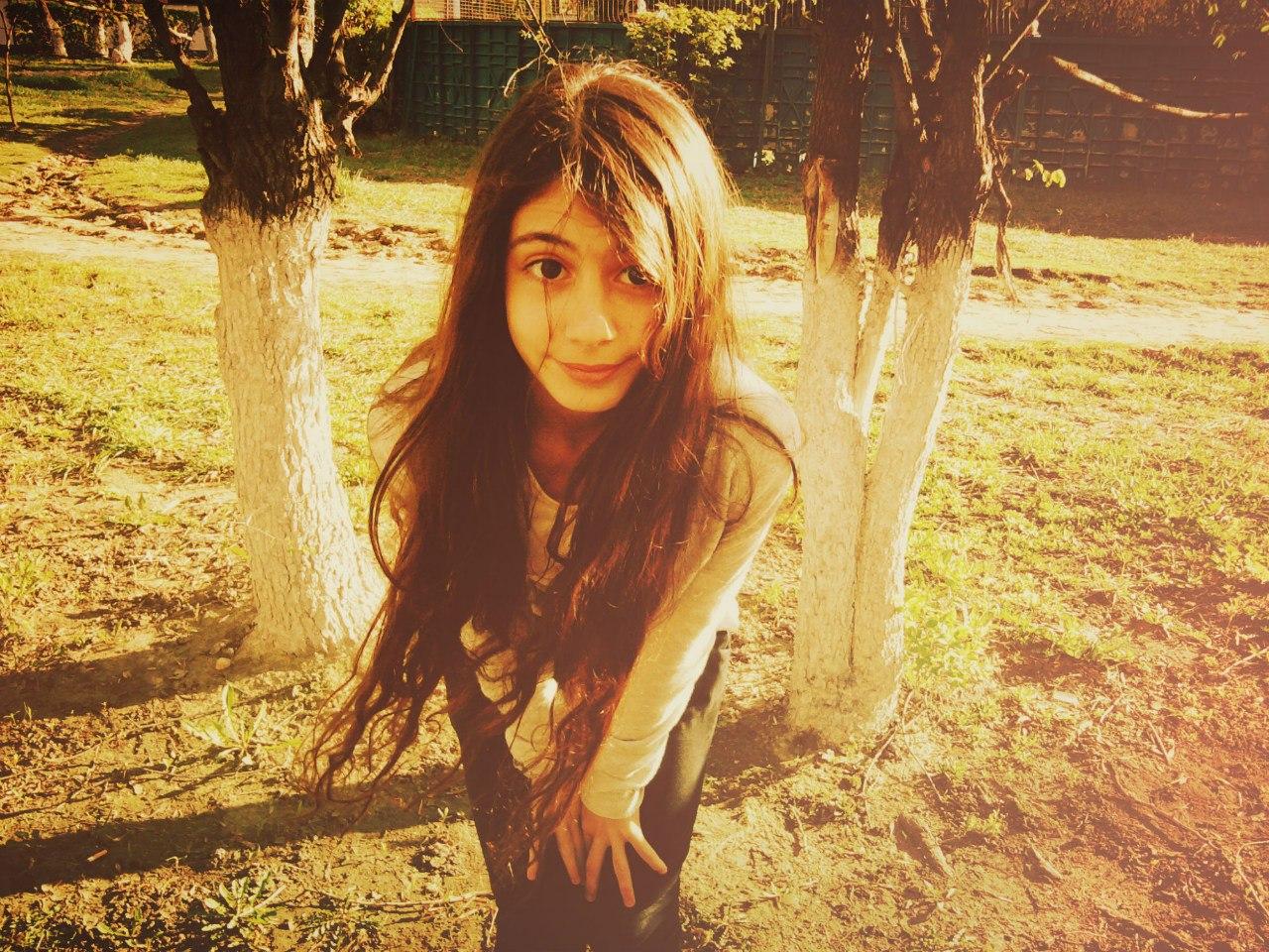 Друзья, смотрите мои фотки на Winxland -  я Флора из Винкс:)