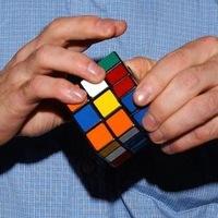 14-летний австралиец Феликс Земдегс (Feliks Zemdegs) завершил сборку кубик Рубика всего за 6,77 секунды на...