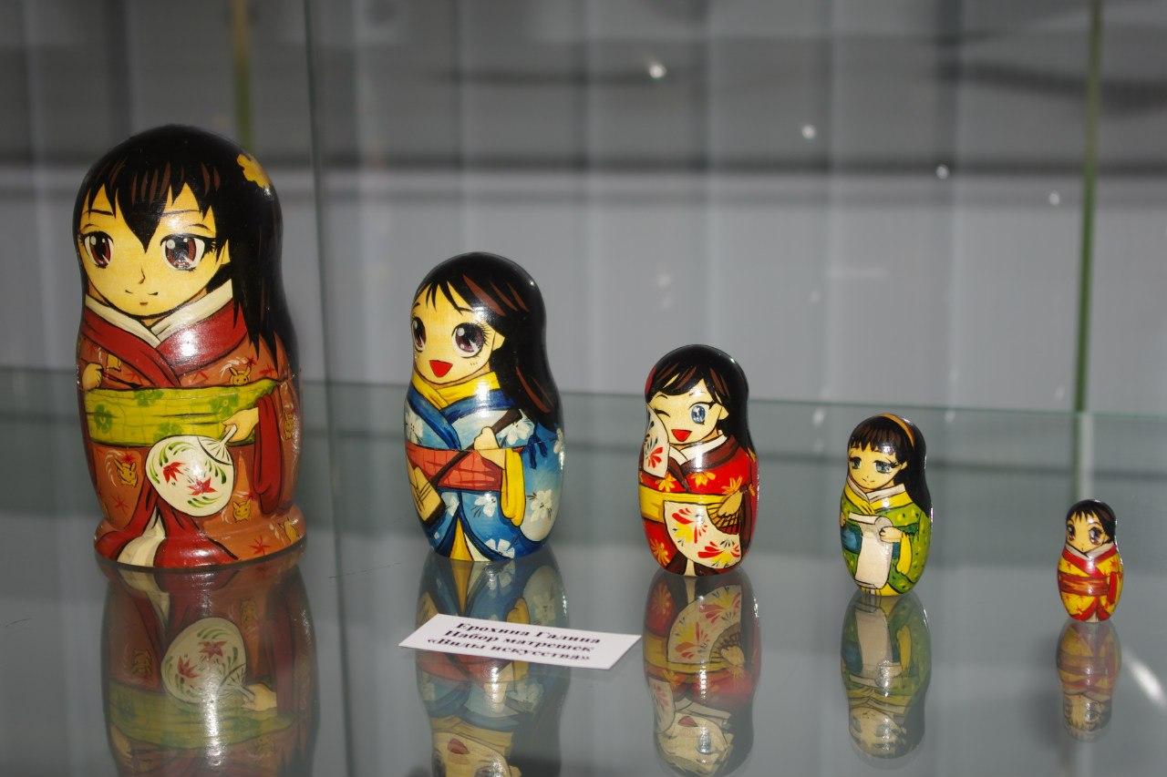 """Матрёшки """"Виды искусства"""". 2007"""