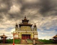 Самые популярные паблики Вконтакте - Буддийский храм Золотая обитель Будды Шакьямуни, Элиста, Россия.