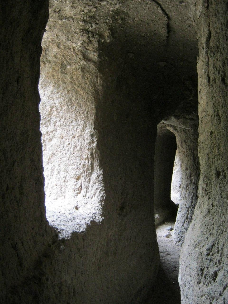 Туннель в долине Ыхлара.