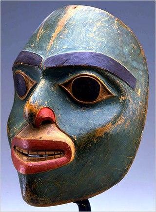 чёрная маска от точек на лице