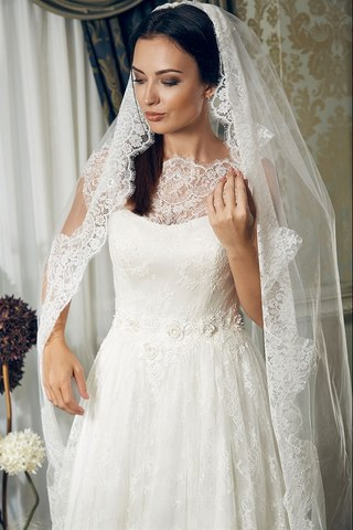пишні весільні сукні з фатою fcd480998fdb7