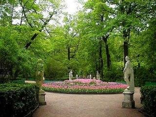 Также в Летний сад вернулись реконструированные.