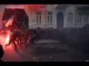 Три сотни 18-летних парней-срочников устояли против огненной армии либерального ада. Это настоящие Герои Украины.Противостояние на Банковой: газ, гранаты в сторону беркута.