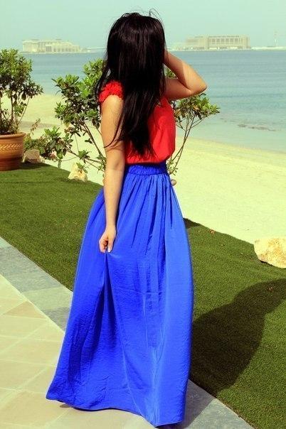 Фото брюнеток в длинных платьях