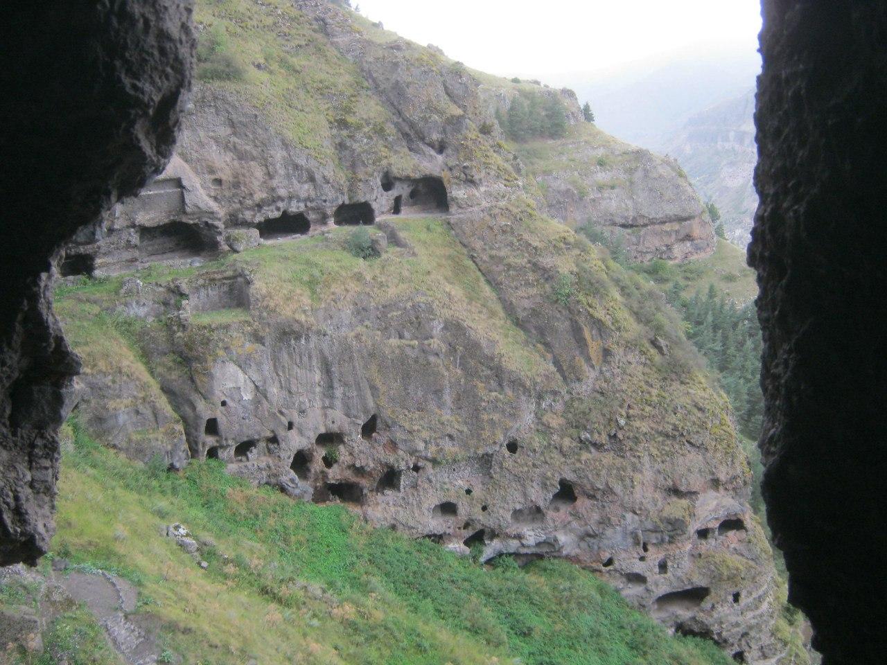 в пещерном монастыре Ванис Квабеби