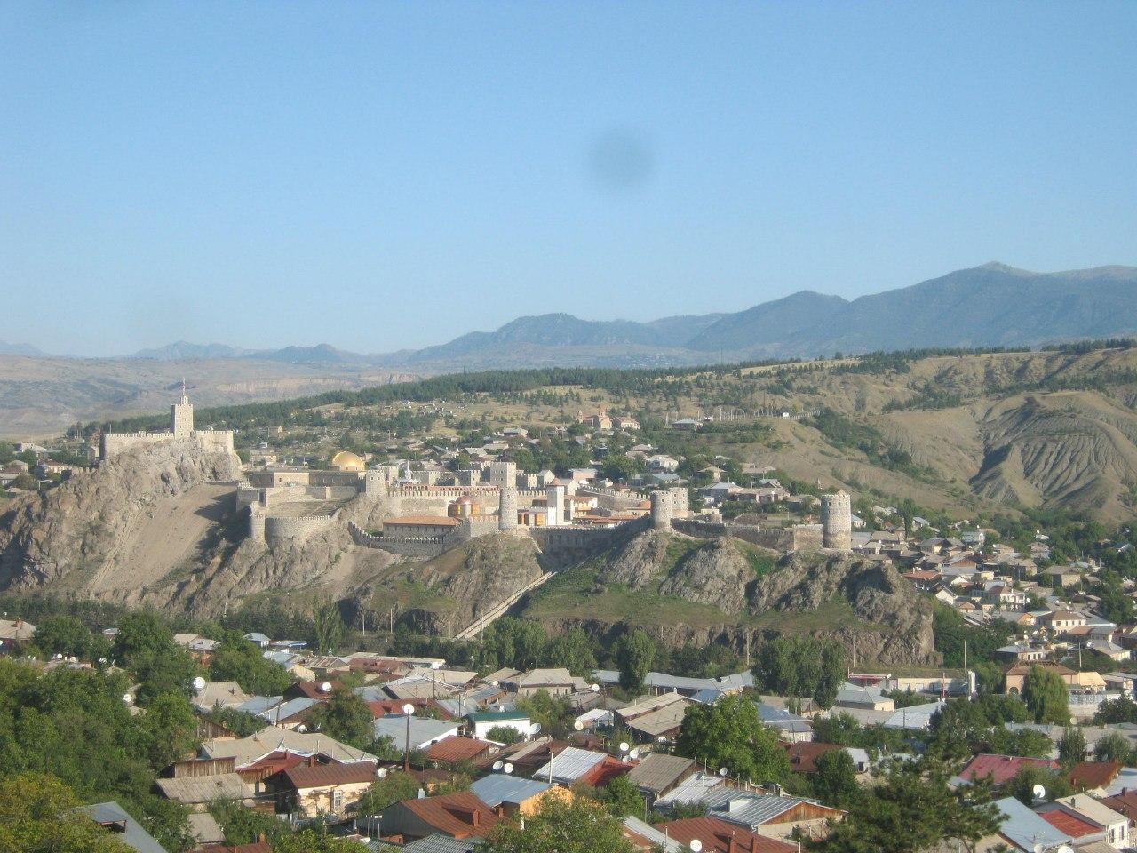 Вид на городок Ахалцихе и крепость