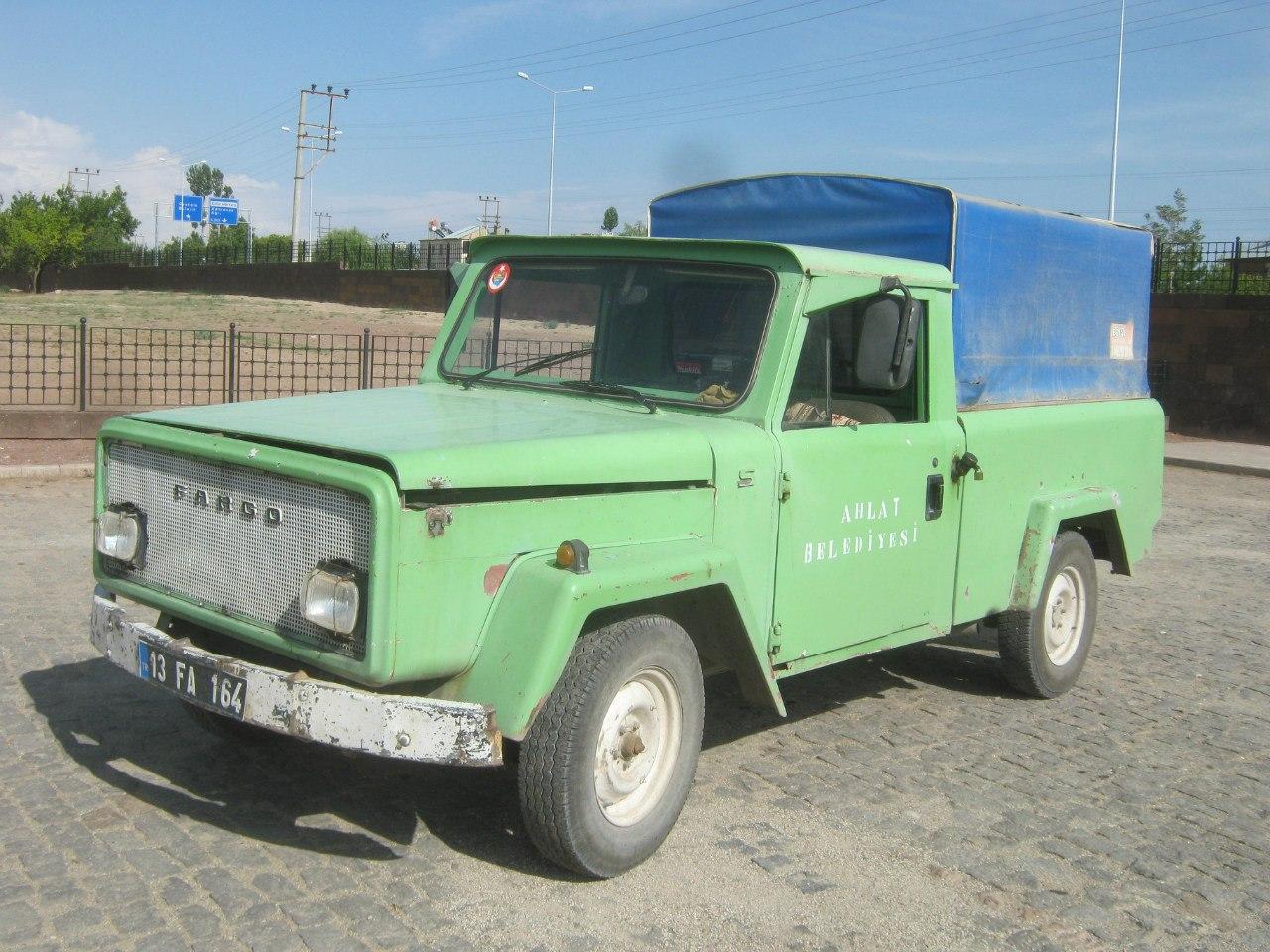 Старая машина в Турции