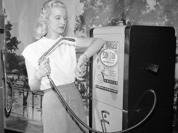 Автомат по продаже загара. 1949 год