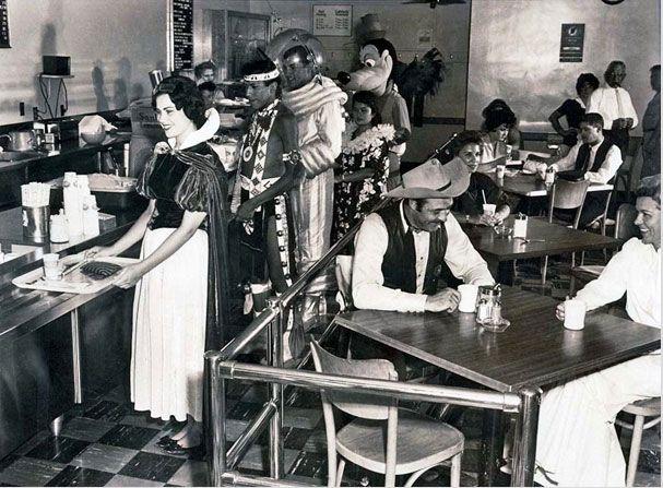 Столовая сотрудников Диснейленда. 1961 год