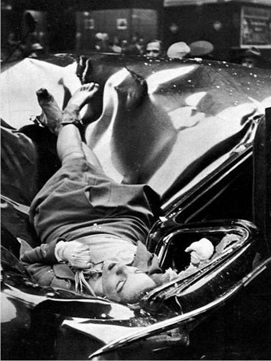 23-летняя Эвелин Макхейла покончившая жизнь прыжком с 83 этажа Эмпайр Стейт Билдинг и приземлившаяся на лимузин ООН. 1947 год