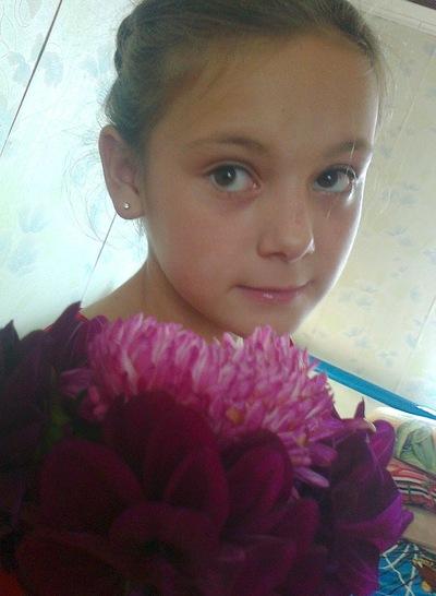Olga Maksimova, 10 августа 1999, Аксубаево, id121037783