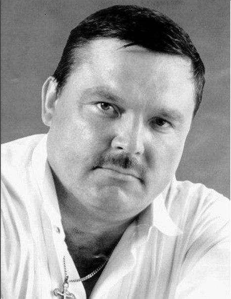 Михаил Владимирович Круг (настоящая фамилия - Воробьёв; 7 апреля 1962