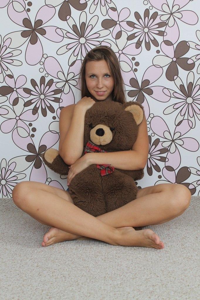 порно фото предметы в попе у девушек