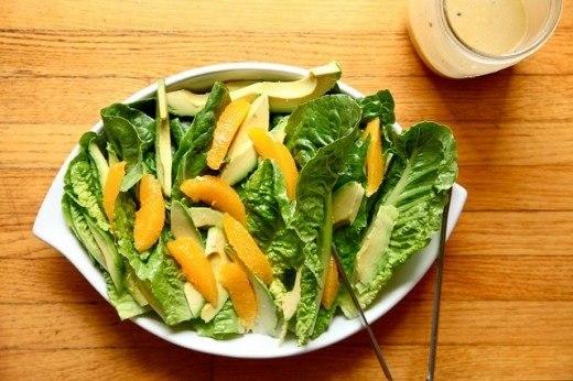 А мы уже заранее думаем о зиме и готовимся к ней. Представляем подборку вкусных и питательных салатов, которыми можно наслаждаться зимой: море граната, авокадо, капусты, яблок и цитрусовых!.