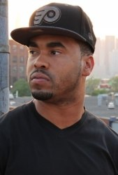 Boaz подписал договор с лейблом Rostrum Records