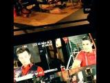 Darren Criss & Chris Colfer - Fox Lounge 2013 (BTS #3)