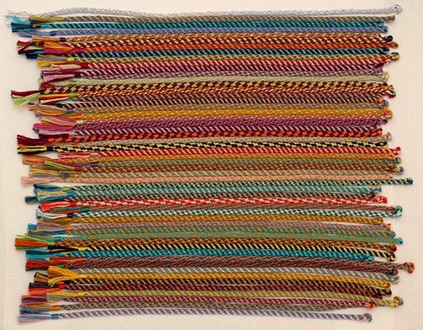 плетения плоских шнурков.